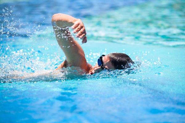 ประโยชน์ของกีฬาว่ายน้ำ
